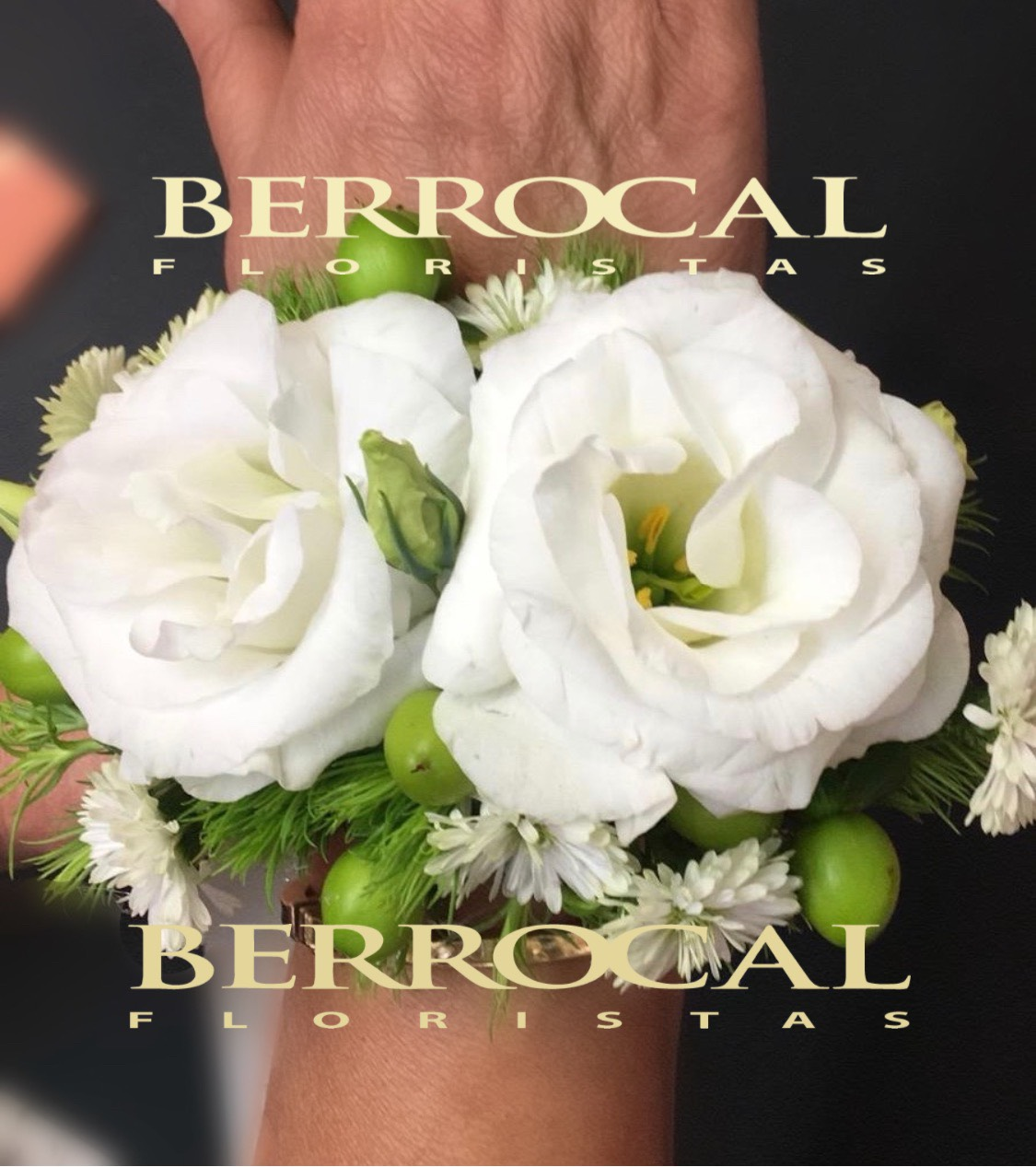 Pulseras de flores para Danas de honor.