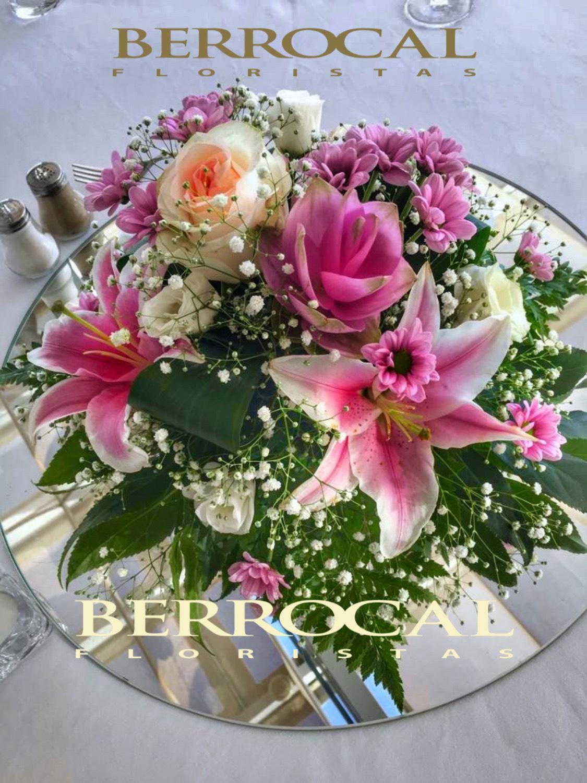 Centerpiece.  Lilium rose  Lisianthus  Roses.  Paniculata  Daisy flower. Green.