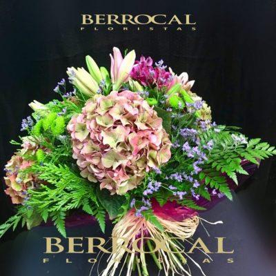 Bouquet Nature ! Combinación clásica y natural de Hortensias, Liliums, Alstromerias, Statice y Tuya.
