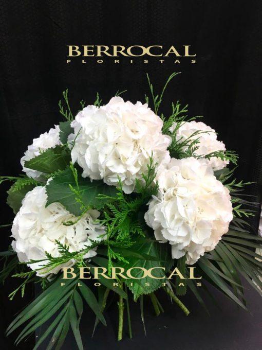 Ramo con flores de Hortensias blancas